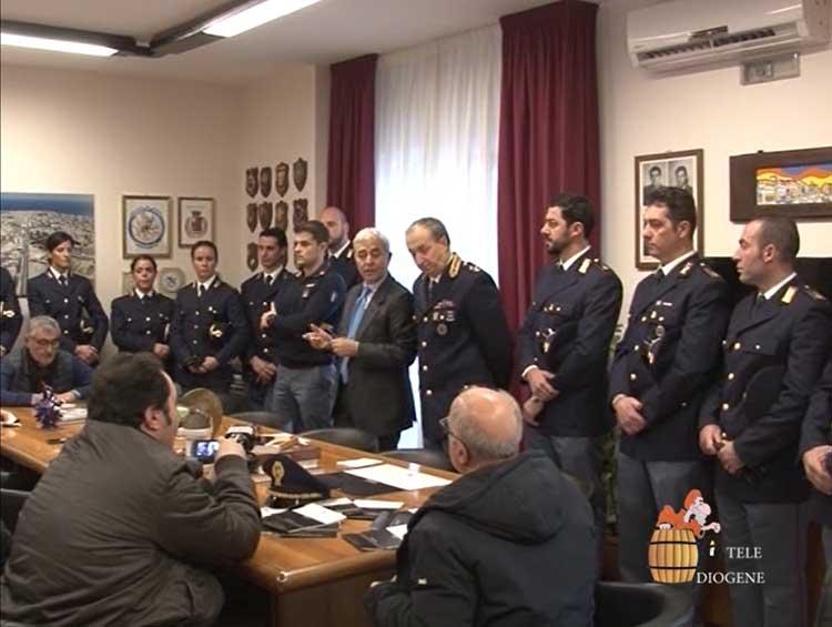 Dieci nuovi ispettori in servizio alla Questura di Crotone, Gambino: «E' impegno vero il territorio per investigazioni»