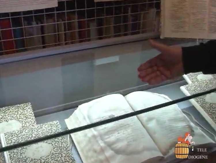 I ''tesori'' recuperati con l'Archivio storico comunale: documenti che raccontano Crotone dal 1700 in poi